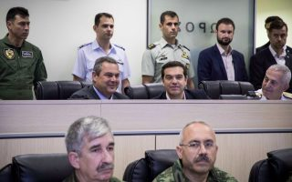 tsipras-praises-defense-personnel-for-protecting-nation