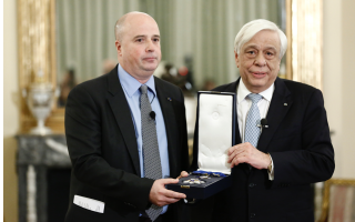 niarchos-foundation-president-awarded-for-contribution-to-greece