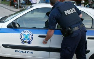 more-attacks-in-athens-against-stores-post-office-ministry-building