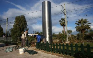 artists-react-to-vandalism-of-controversial-statue-on-southern-athens-coast
