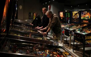 at-athens-pinball-museum-arcade-gamers-go-back-in-time