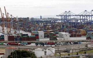 piraeus-port-enters-new-era-with-increasing-handling-capacity