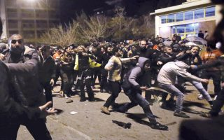 tensions-flare-at-refugee-camps0
