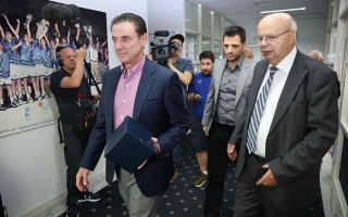 pitino-says-can-amp-8217-t-wait-to-coach-greece