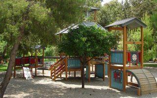 vandals-destroy-renovated-playground-in-thessaloniki