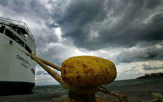 ships-moored-to-docks-across-much-of-the-country-amid-bad-weather