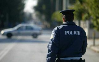 man-arrested-in-northern-greece-for-transporting-migrants