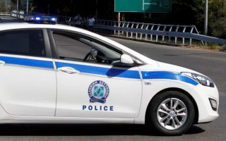 two-injured-two-arrested-in-clashes-in-central-athens