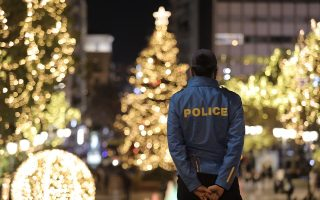 greece-celebrates-christmas-with-restrictions