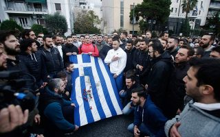 march-marking-polytechnic-anniversary-underway-in-central-athens