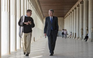 us-ambassador-visits-birthplace-of-democracy-as-americans-head-to-polls
