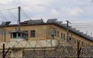 inmate-escapes-prison-in-halkidiki-while-on-work-assignment