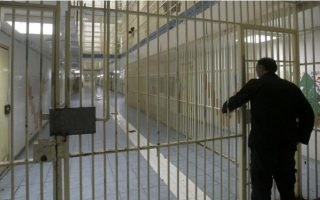 turk-wanted-by-ankara-over-links-to-bombings-returns-to-greek-prison