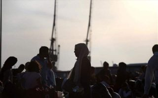 most-greek-adolescents-have-positive-view-of-migrants