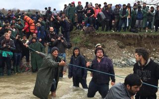 migrants-stranded-in-greece-head-for-dangerous-route-north