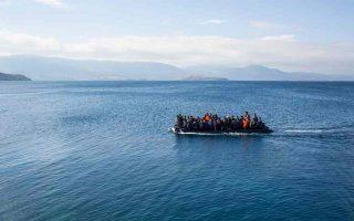 turks-land-on-greece-s-oinousses-island-request-asylum