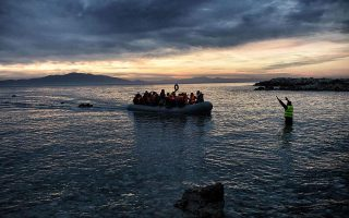 new-migrant-arrivals-on-lesvos-and-chios-reach-350-in-one-day