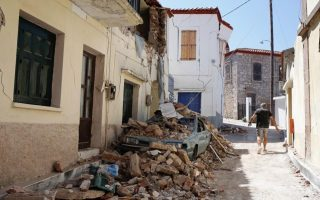 officials-meet-on-lesvos-to-discuss-monuments-damaged-by-2017-quake