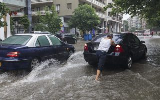 heavy-downpour-causes-floods-in-thessaloniki