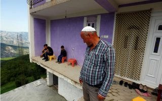 thinly-populated-fyrom-village-builds-homes-as-it-awaits-change