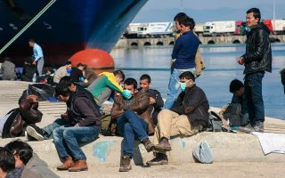one-hundred-refugees-and-migrants-rescued-in-the-aegean
