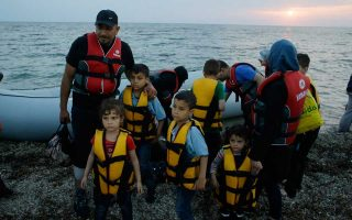 more-than-135-000-refugees-reached-europe-by-sea-in-2015-amp-8217-s-first-half-unhcr-says