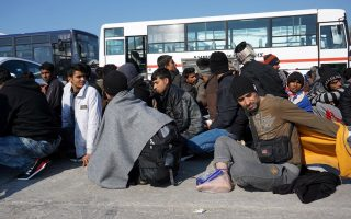 greece-eyes-two-week-turnaround-for-asylum-claims-minister-says