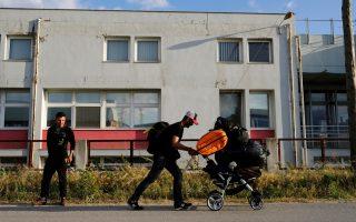 greek-police-step-up-evacuation-of-idomeni-camp