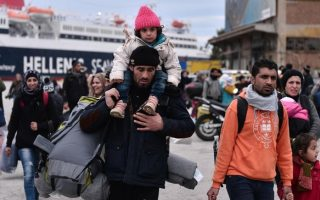 refugee-donation-drive-organized-in-central-athens-on-sunday