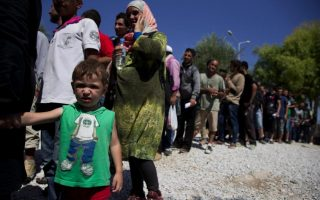 eu-encouraged-by-mini-summit-with-turkish-pm-on-refugees-migrants