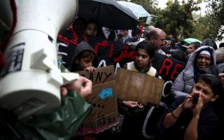 refugees-in-athens-on-hunger-strike-for-eighth-day