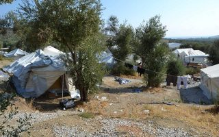 tension-breaks-out-in-lesvos-public-square-over-protesting-afghans