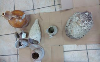 two-arrested-for-smuggling-antiquities-in-northwestern-greece