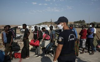 relocation-of-migrants-to-new-lesvos-camp-starts