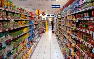 greek-retail-sales-fall-2-6-pct-in-august-led-by-fuels-lubricants