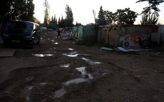 roma-community-reacts-to-resettlement-plan0