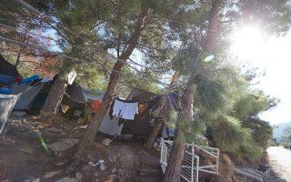 man-arrested-for-urging-migrants-to-burn-down-samos-camp