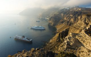 hotel-rates-climb-on-cycladic-isles