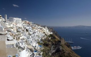 foreign-visitors-should-feel-safe-like-home-in-greece-officials-say