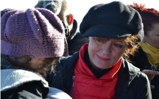 susan-sarandon-pledges-to-spread-word-about-refugee-crisis0