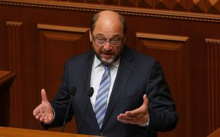 schulz-calls-for-discussion-on-amp-8216-humanitarian-aid-program-for-greece-amp-8217