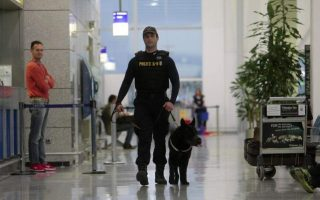 athens-airport-arrivals-caught-with-9-kilos-of-heroin