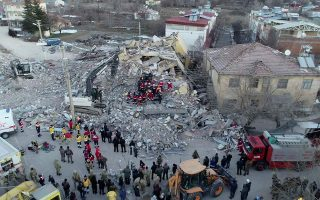 greek-seismologist-says-strong-aftershock-from-deadly-turkish-quake-likely