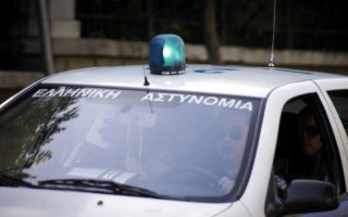 thessaloniki-man-shoots-self-during-police-chase