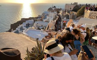 britons-scrambling-to-get-back-home-from-greek-islands-on-uk-s-red-list