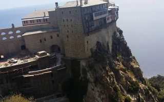 swiss-hiker-stranded-on-mount-athos-located-by-rescue-crews