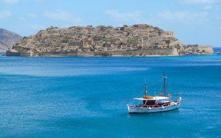 uk-adds-crete-to-list-of-safe-destinations