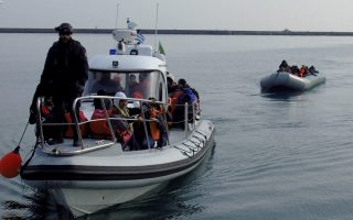 two-dead-dozens-missing-after-boat-capsizes-off-lesvos
