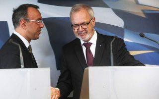 eib-signs-three-loan-agreements-worth-300-mln-euros-with-greece