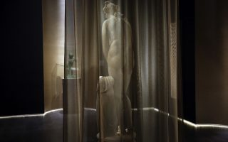 aphrodite-statue-on-display-for-the-first-time